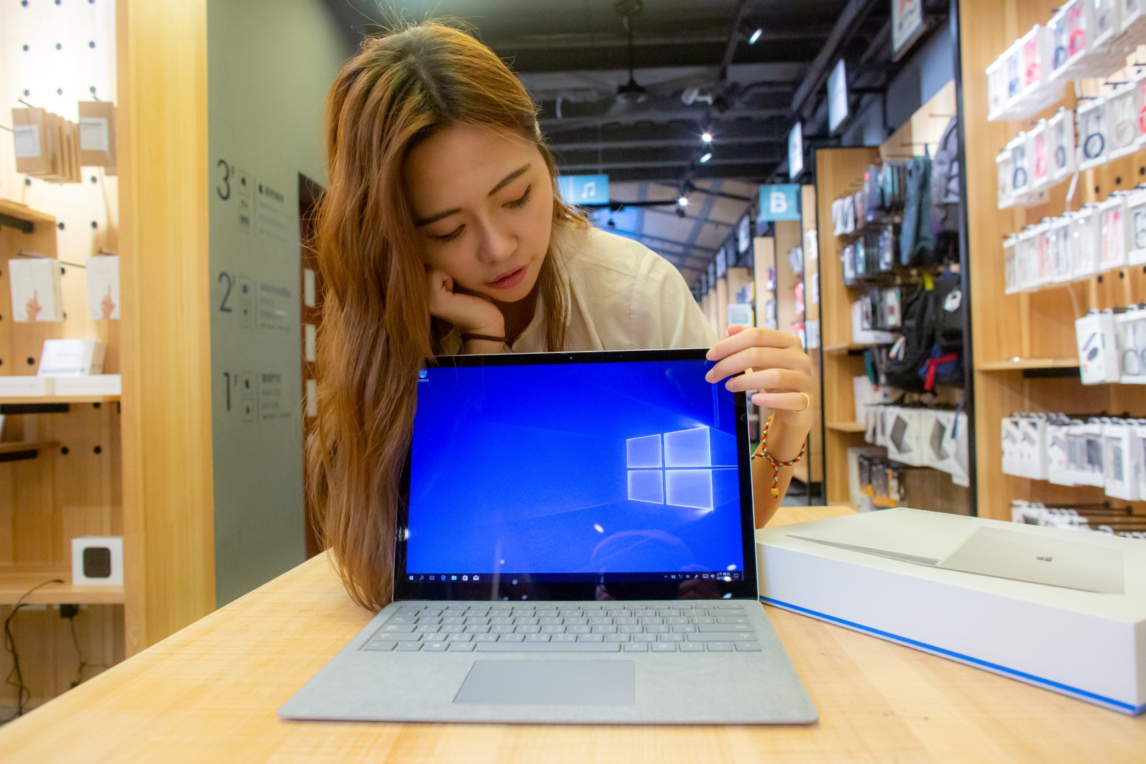 璃兒的 Microsoft Surface Laptop 開箱記趣